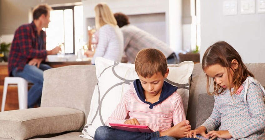 The negative effects of technology in the development of your child